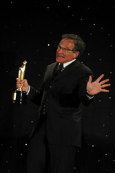 51075048MC037_robinwilliams.jpg